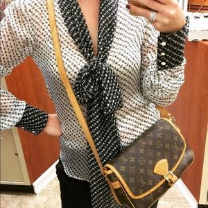 ❤️Louis Vuitton sophisticated Crossbody Bag